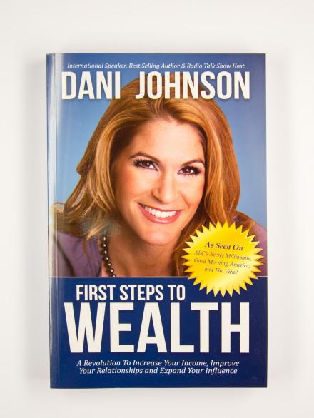 "Grāmata ""First Steps to Wealth"""